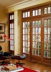 Porte fenêtre avec châssis croisillons ouvrants