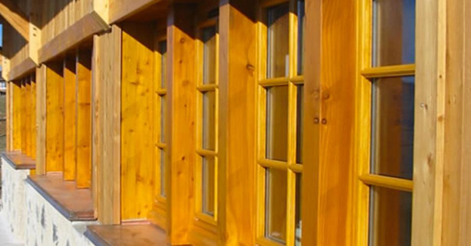 La fenêtre en bois est isolante, esthétique et  pérenne